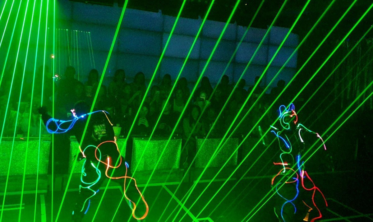 Robot Restaurant Show - Lasers