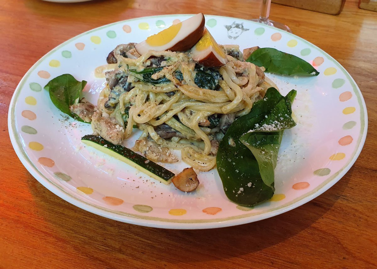 Fresh pasta with char-grilled chicken